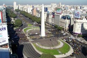 Drive 9 de Julio Avenue, Buenos Aires, Argentina
